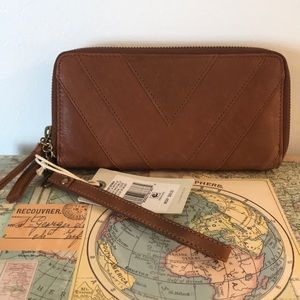 Lucky Brand Brown Leather Wallet Wrislet NWT